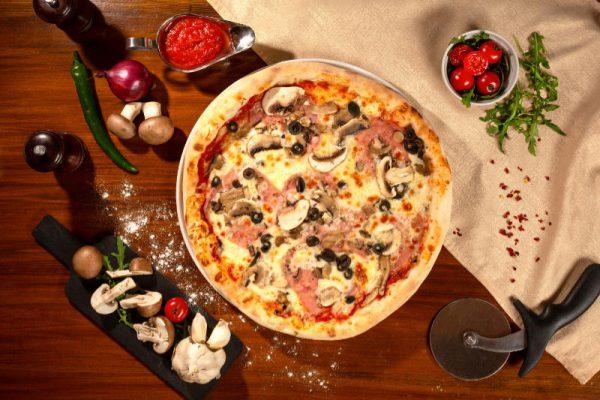 Pizza Prosciutto funghi Sibiu