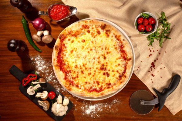 Pizza Quattro Formaggi Sibiu